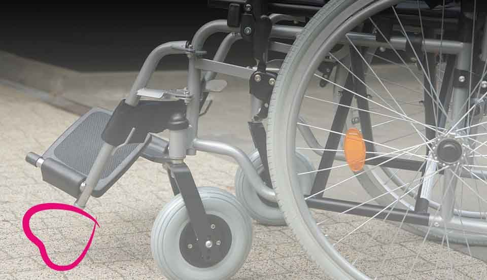 silla de ruedas reposapies